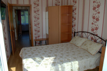 Коттедж, 65 кв.м. на 4 человека, 2 спальни, Соловьева, 30б, Гурзуф - Фотография 2