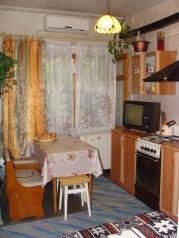 Дом 2-х комнатный, 60 кв.м. на 6 человек, 2 спальни, Поворотная улица, 18, Евпатория - Фотография 1