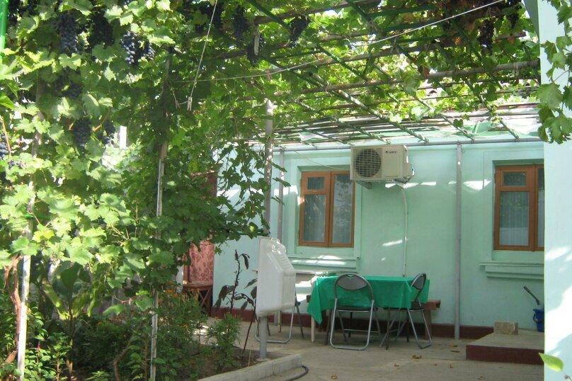 Дом, 100 кв.м. на 6 человек, 2 спальни, новосёловска, 38, Евпатория - Фотография 1