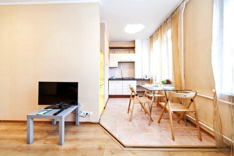 2-комн. квартира, 60 кв.м. на 4 человека, 2-я Фрунзенская улица, 10, Москва - Фотография 1