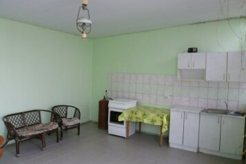 Гостевой дворик, пер.Серный на 4 номера - Фотография 3