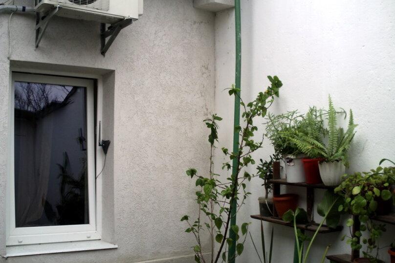 Дом в общем дворе (квартира на земле), 36 кв.м. на 5 человек, 2 спальни, улица Мориса Тореза, 9, Евпатория - Фотография 12