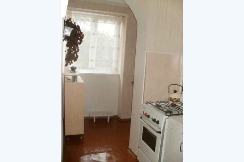 2-комн. квартира, 40 кв.м. на 4 человека, проспект Айвазовского, 4А, Феодосия - Фотография 3
