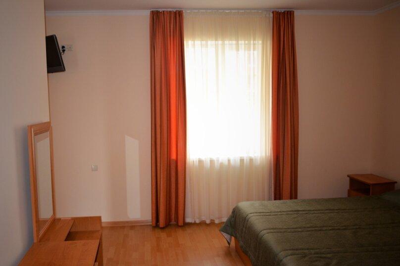 четырехместный номер , Чудесная улица, 2/49, Николаевка, Крым - Фотография 1