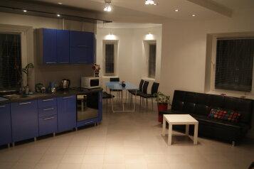 Дом, 200 кв.м. на 13 человек, 4 спальни, Яничкин проезд, 1, Котельники - Фотография 1