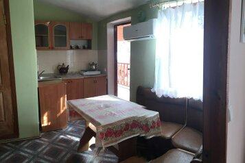 2-х комнатный номер с кухней на 4чел    в Морском   , Мартынова на 1 номер - Фотография 4