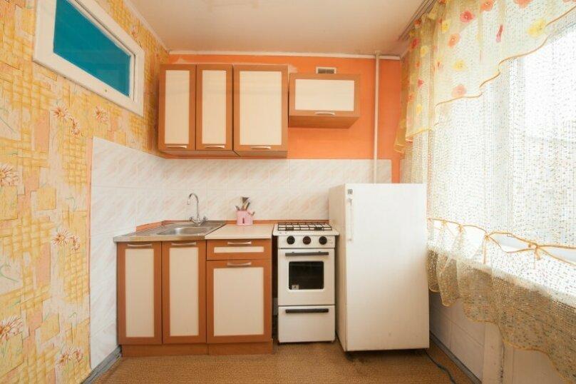 1-комн. квартира, 34 кв.м. на 4 человека, улица Декабристов, 5, Красноярск - Фотография 5