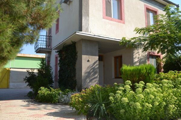 Дом частный, 75 кв.м. на 6 человек, 2 спальни, Гайдара, 38, Заозерное - Фотография 1