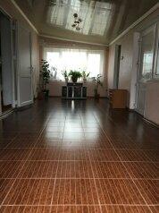 Дом под ключ, 140 кв.м. на 6 человек, 3 спальни, улица Комарова, 21, Песчаное - Фотография 1