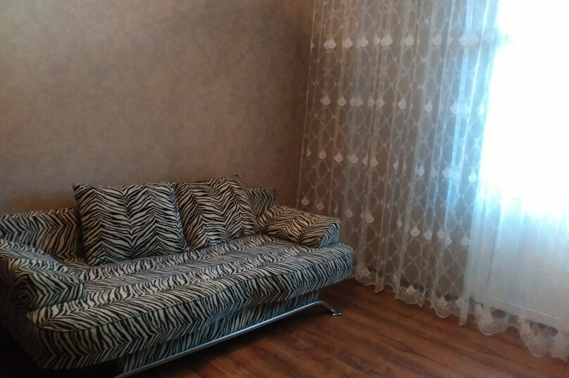 1-комн. квартира, 40 кв.м. на 3 человека, проспект Октябрьской Революции, 20, Севастополь - Фотография 1