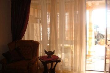 Апартаменты люкс двухкомнатные с кухней и двориком с выходом на море  в Алуште  п. Семидворье Крым, 63 кв.м. на 5 человек, 2 спальни, пер. Извилистый, 117, Семидворье - Фотография 3