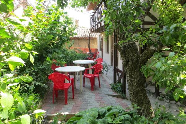 Мини-гостиница, переулок Свердлова, 18 на 9 номеров - Фотография 1