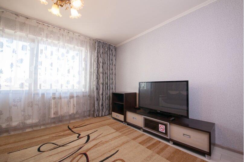 2-комн. квартира, 75 кв.м. на 4 человека, улица Батурина, 19, Красноярск - Фотография 8