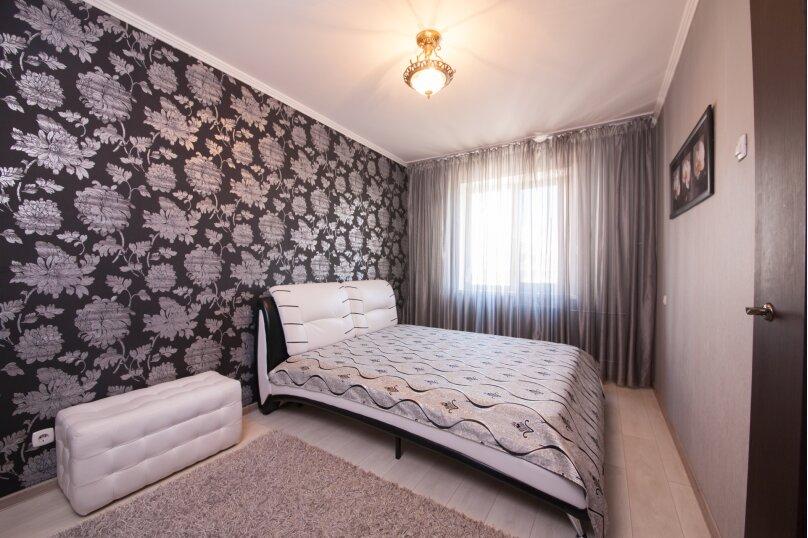 2-комн. квартира, 75 кв.м. на 4 человека, улица Батурина, 19, Красноярск - Фотография 14