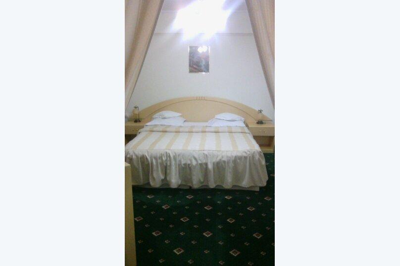 1-комн. квартира, 33 кв.м. на 4 человека, улица Ворошилова, 10, Тольятти - Фотография 1