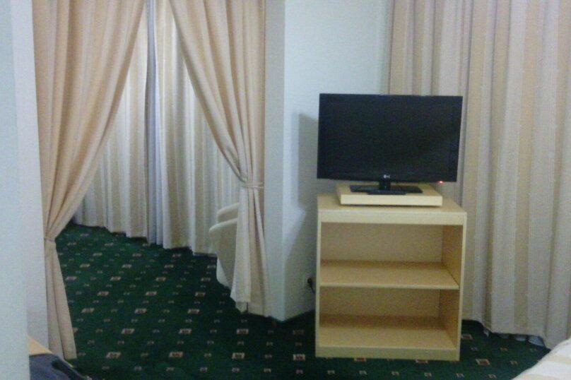 1-комн. квартира, 33 кв.м. на 4 человека, улица Ворошилова, 10, Тольятти - Фотография 2