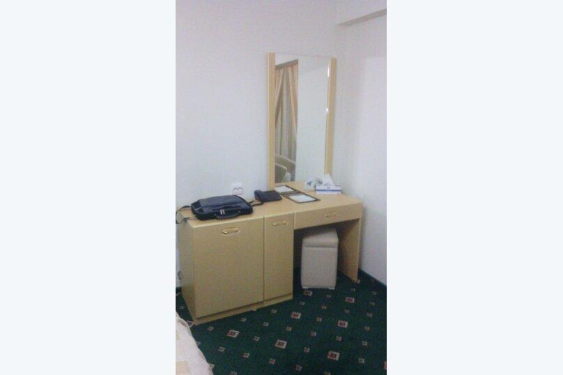 1-комн. квартира, 33 кв.м. на 4 человека, улица Ворошилова, 10, Тольятти - Фотография 3