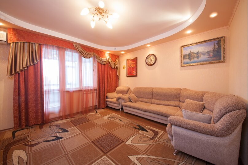 2-комн. квартира, 56 кв.м. на 4 человека, Взлётная улица, 24, Красноярск - Фотография 1