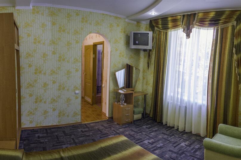 """Гостевой дом """"Бахт"""", Коллективная, 2 на 6 комнат - Фотография 1"""