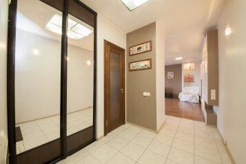 2-комн. квартира, 57 кв.м. на 2 человека, улица Дубровинского, 104, Красноярск - Фотография 3