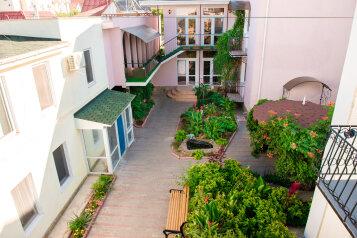 Гостевой дом, улица Волошина на 18 номеров - Фотография 2