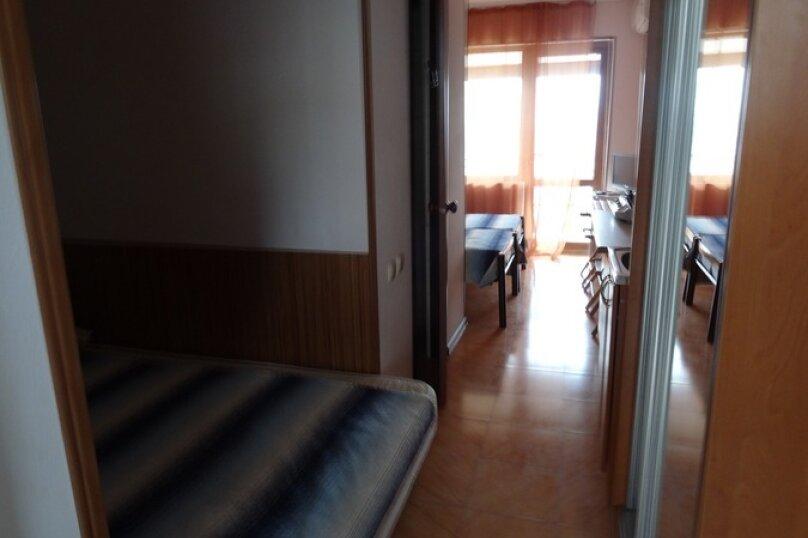 Отдельная комната, улица Ленина, 17А, Алупка - Фотография 1