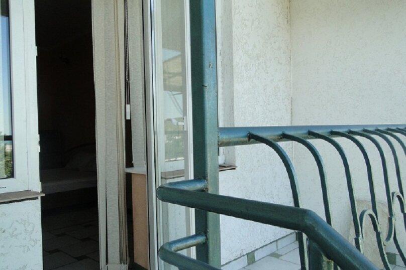 Номер-студия в частном коттедже, под ключ, на 2-3 чел., 36 кв.м. на 2 человека, 1 спальня, Таврическая, 40, Алушта - Фотография 6