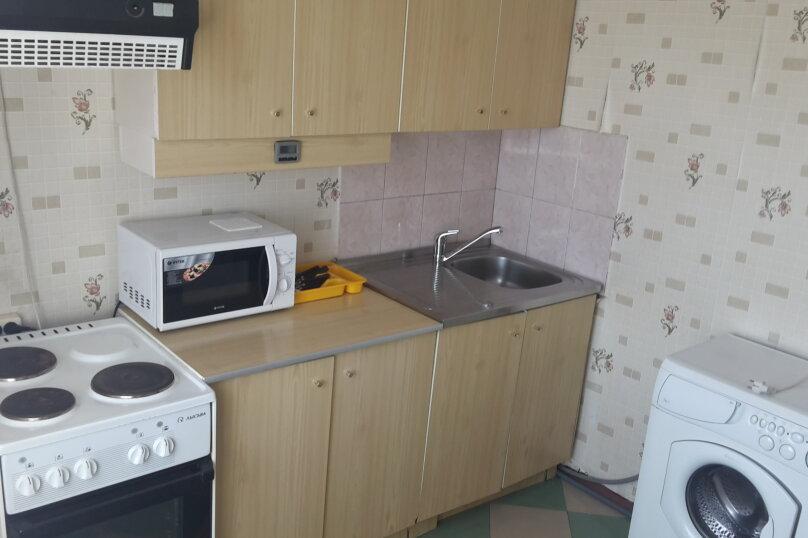 1-комн. квартира, 36 кв.м. на 3 человека, улица Менжинского, 18, Красноярск - Фотография 5