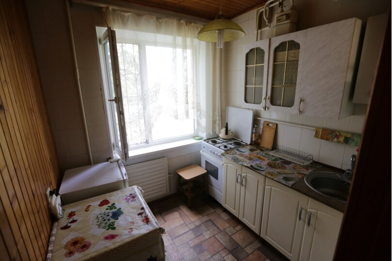 1-комн. квартира, 35 кв.м. на 4 человека, улица Лейтенанта Бувина, 5, Керчь - Фотография 3
