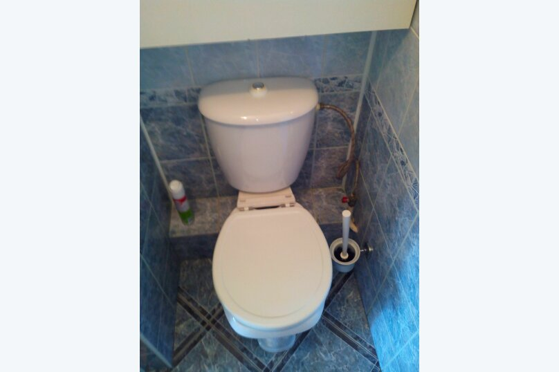 2-комн. квартира, 70 кв.м. на 10 человек, улица Ломоносова, 61, Новосибирск - Фотография 4