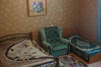 Комфортабельный дом на 8-9 человек, 100 кв.м. на 9 человек, 3 спальни, Русская улица, 30, Феодосия - Фотография 2