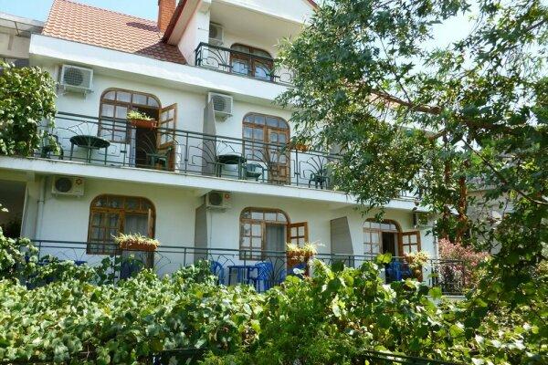 Мини-отель, Жигулевская улица, 4 на 20 номеров - Фотография 1