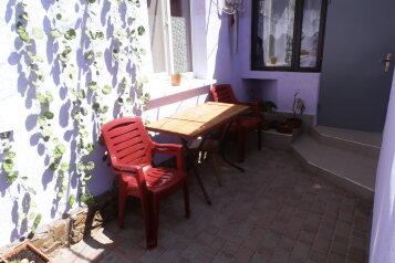 2-комнатный домик в Евпатории, в 50-ти метрах от моря, есть свой дворик., 30 кв.м. на 4 человека, 1 спальня, Пляжный переулок, Евпатория - Фотография 2