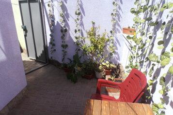 2-комнатный домик в Евпатории, в 50-ти метрах от моря, есть свой дворик., 30 кв.м. на 4 человека, 1 спальня, Пляжный переулок, Евпатория - Фотография 1