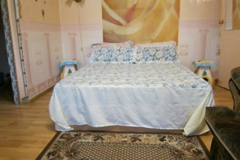 1-комн. квартира, 45 кв.м. на 2 человека, площадь Василевского, 5, Калининград - Фотография 1