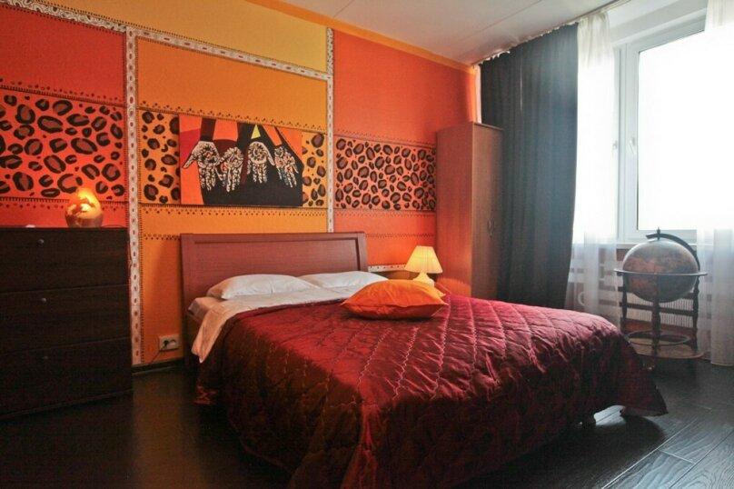 2-комн. квартира, 56 кв.м. на 6 человек, улица Новый Арбат, 16, Москва - Фотография 1