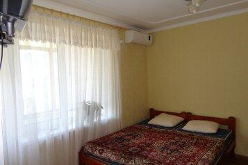 1-комн. квартира, 30 кв.м. на 3 человека, улица Ленина, Штормовое - Фотография 1