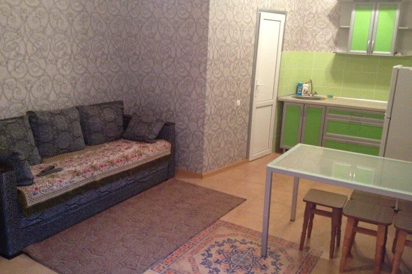 Дом, 60 кв.м. на 5 человек, 1 спальня, улица Гагарина, 24, Евпатория - Фотография 1