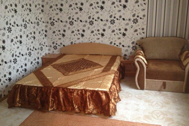 Дом, 40 кв.м. на 3 человека, 1 спальня, улица Гагарина, 24, Евпатория - Фотография 1