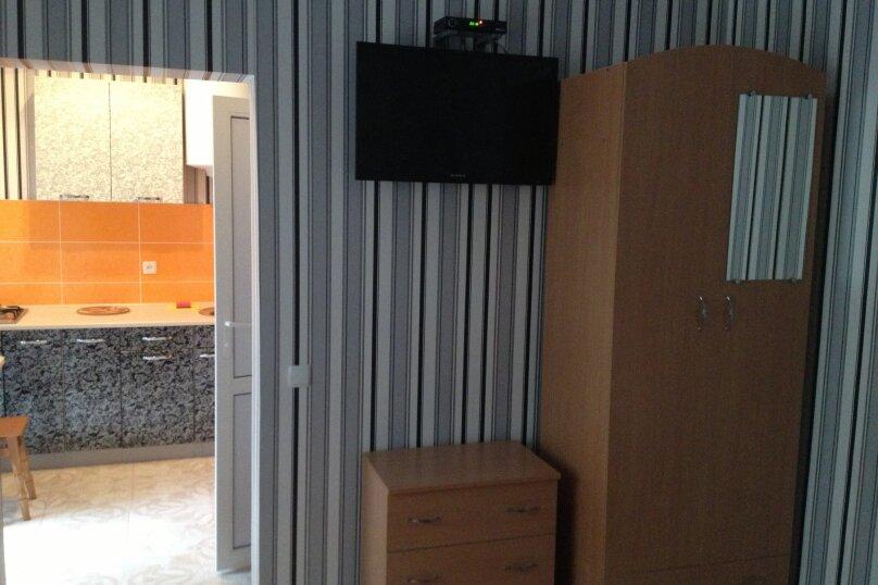 Дом, 40 кв.м. на 3 человека, 1 спальня, улица Гагарина, 24, Евпатория - Фотография 3