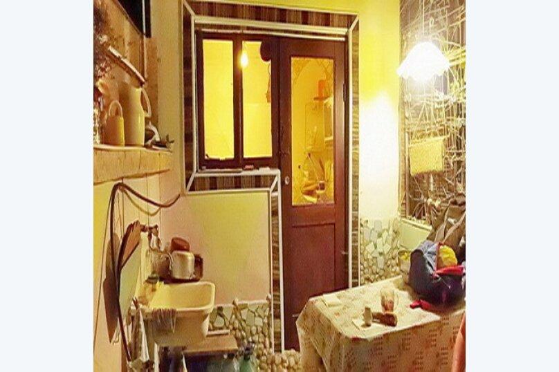 Эконом дворик из СССР, 15 кв.м. на 4 человека, 1 спальня, улица Ленина, 130, Коктебель - Фотография 13