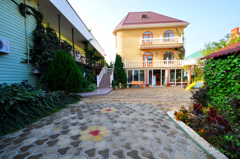 """Гостевой дом """"Акварель"""", улица Толстого, 32 на 15 комнат - Фотография 2"""