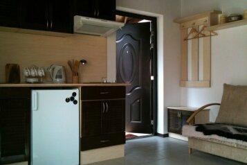 Деревянный  коттедж 2 на 5 человек, 2 спальни, Чайка-3, 4, посёлок Орловка, Севастополь - Фотография 2