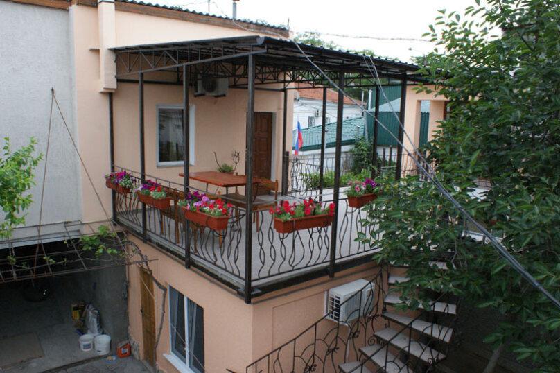 2 этаж дома 2 комнаты под ключ, 40 кв.м. на 6 человек, 2 спальни, Русская улица, 49, Феодосия - Фотография 1