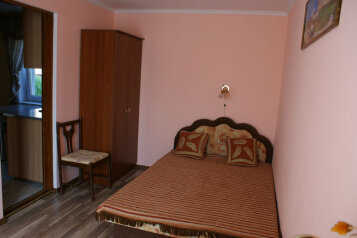 2 этаж дома 2 комнаты под ключ, 40 кв.м. на 6 человек, 2 спальни, Русская улица, Феодосия - Фотография 3