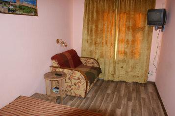 2 этаж дома 2 комнаты под ключ, 40 кв.м. на 6 человек, 2 спальни, Русская улица, 49, Феодосия - Фотография 2