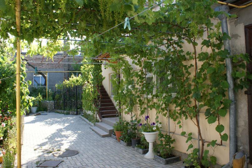 1 этаж с двориком своим под ключ, 28 кв.м. на 3 человека, 1 спальня, Русская улица, 45, Феодосия - Фотография 2
