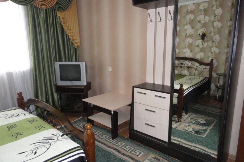 Отдельно стоящее здание  1 этаж двухкомнатный номер с кухней , Ленина, 89, Коктебель - Фотография 4