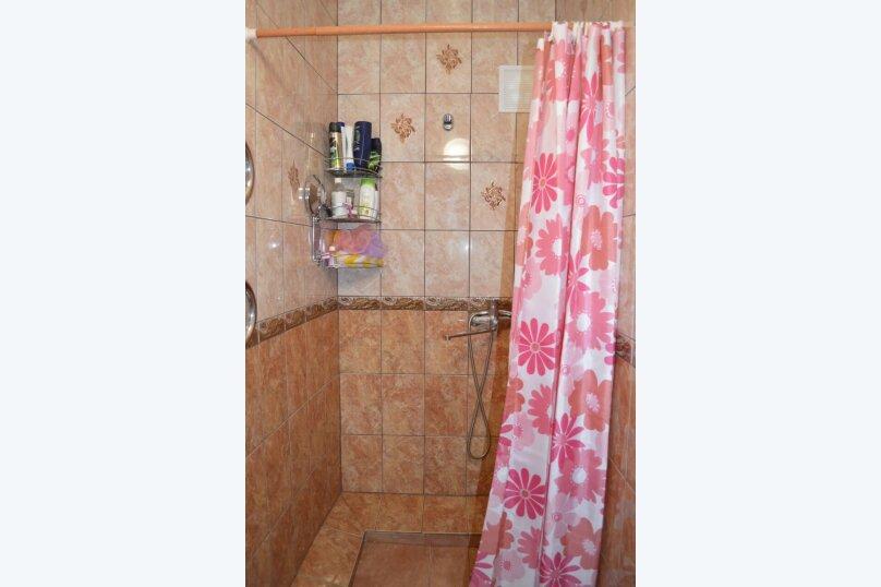 Гостевой дом у Натали, улица Толстого, 34 на 12 комнат - Фотография 5
