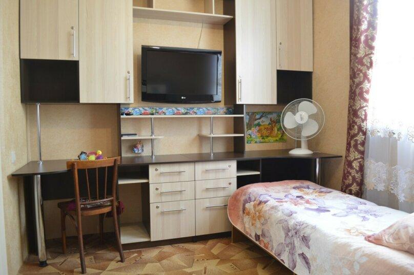 Гостевой дом у Натали, улица Толстого, 34 на 12 комнат - Фотография 15